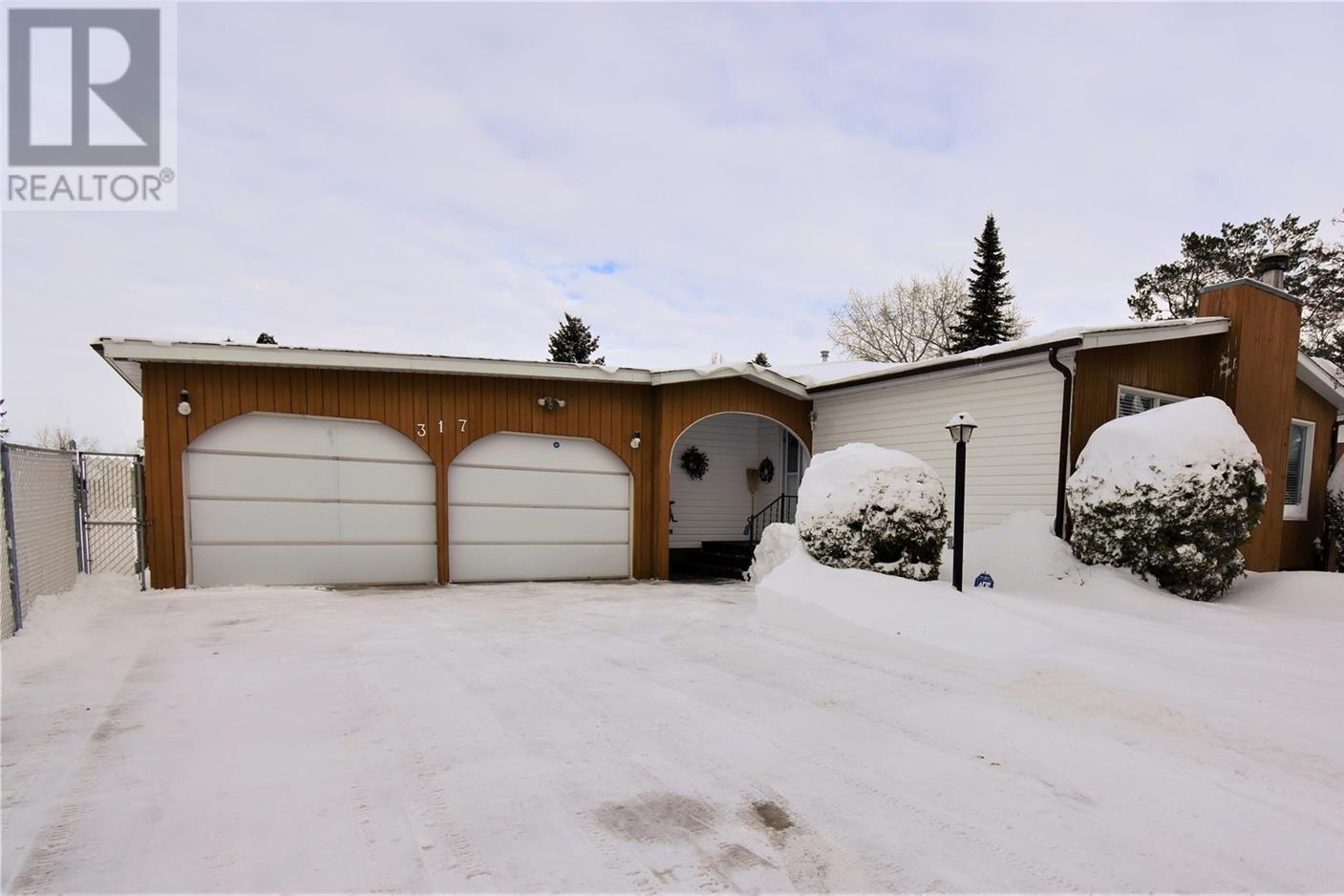 House for sale at 317 Dalhousie Cres Saskatoon Saskatchewan - MLS: SK833274