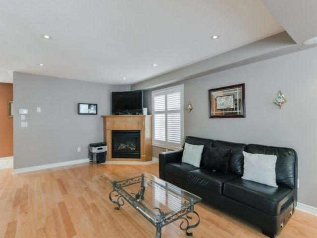 For Sale: 317 Ellwood Drive West, Caledon, ON   3 Bed, 3 Bath House for $739,900. See 18 photos!