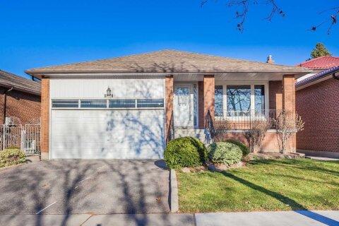 House for sale at 317 Huntsmill Blvd Toronto Ontario - MLS: E4989451