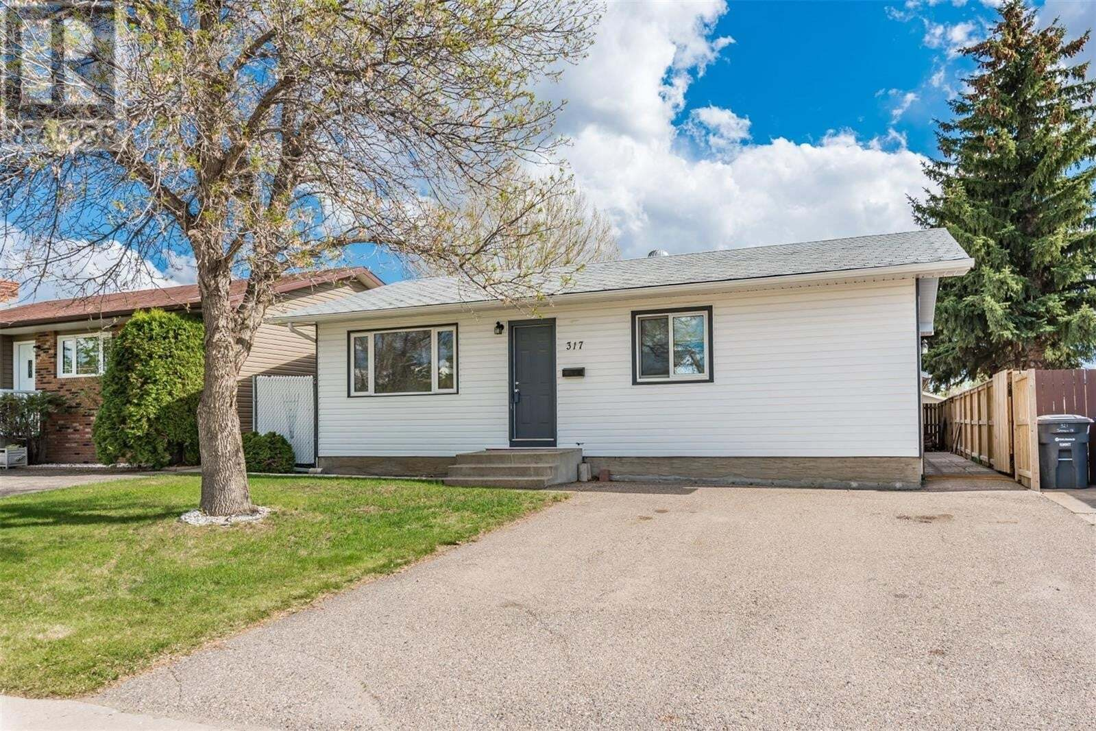 House for sale at 317 Johnson Cres Saskatoon Saskatchewan - MLS: SK809635