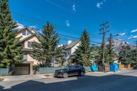 Townhouse for sale at 317 Marten St Banff Alberta - MLS: A1025512