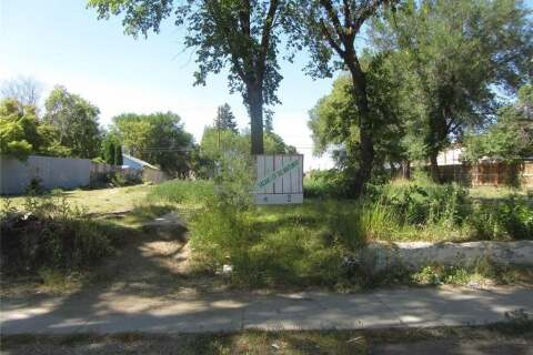 Residential property for sale at 317 P Ave S Saskatoon Saskatchewan - MLS: SK798552