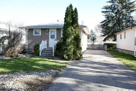 House for sale at 317 Robinson St Regina Saskatchewan - MLS: SK789502