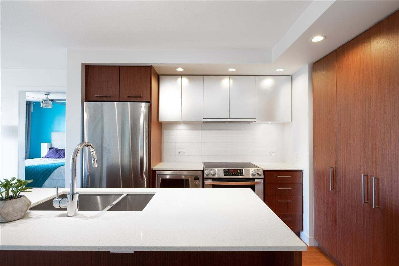 Buliding: 221 East 3rd Street, North Vancouver, BC