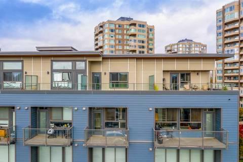 Condo for sale at 3090 Gladwin Rd Unit 318 Abbotsford British Columbia - MLS: R2372446