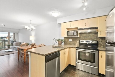Condo for sale at 332 Lonsdale Ave Unit 318 North Vancouver British Columbia - MLS: R2511353