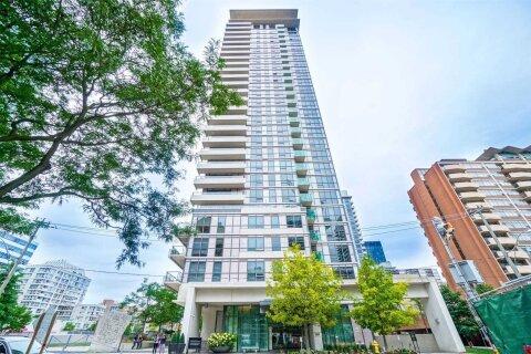 Apartment for rent at 70 Roehampton Ave Unit 318 Toronto Ontario - MLS: C4973203