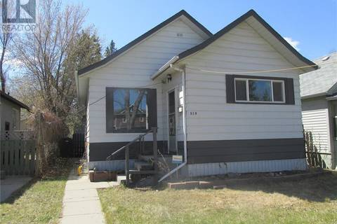 House for sale at 318 8th St E Saskatoon Saskatchewan - MLS: SK778716