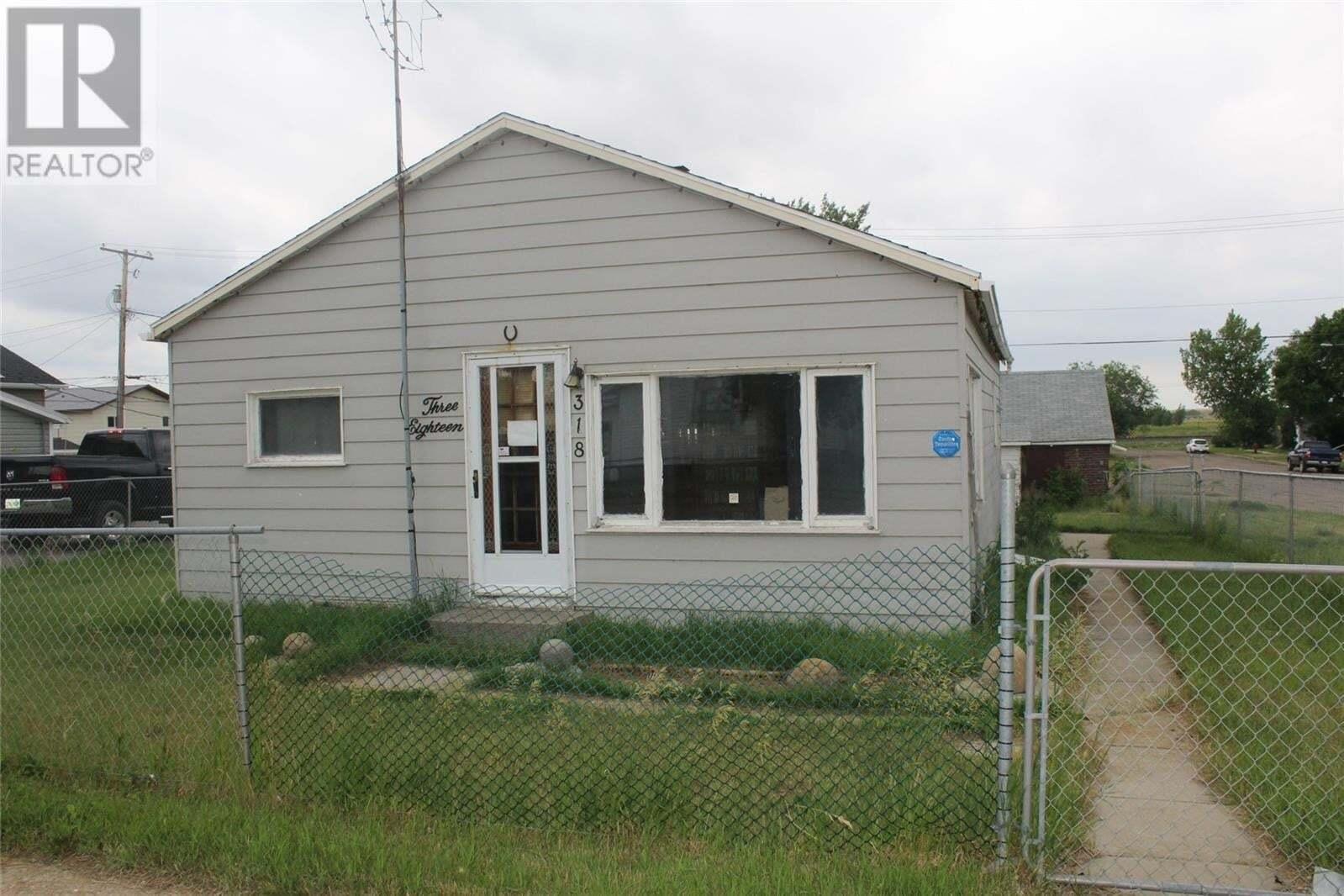House for sale at 318 Carbon Ave Bienfait Saskatchewan - MLS: SK815091