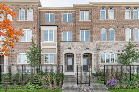 Townhouse for sale at 318 Clay Stone St Newmarket Ontario - MLS: N4930740