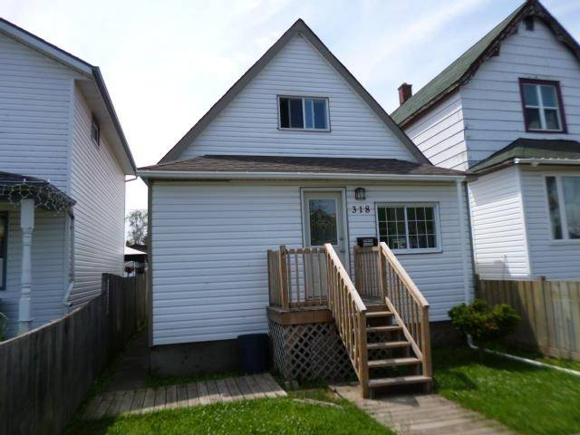 House for sale at 318 Robertson St Thunder Bay Ontario - MLS: TB192318
