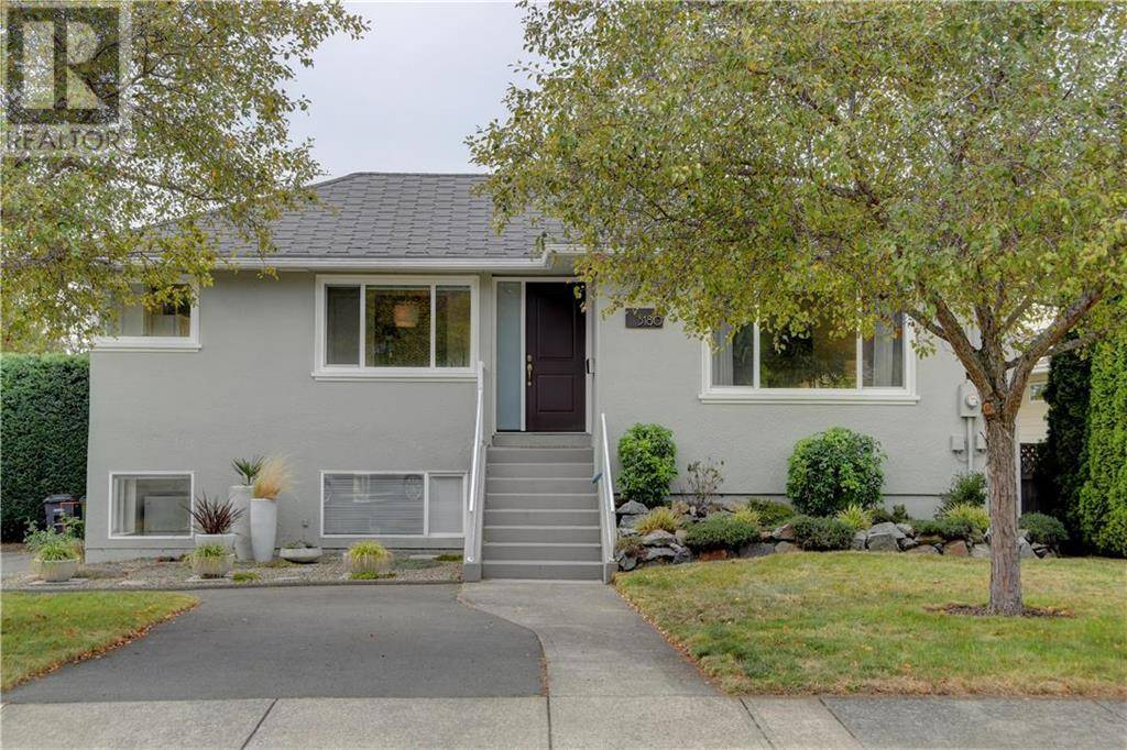 House for sale at 3180 Service St Victoria British Columbia - MLS: 415795