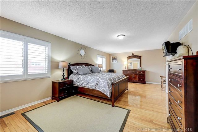 For Sale: 3182 Mcdowell Drive, Mississauga, ON | 4 Bed, 4 Bath House for $999,900. See 19 photos!
