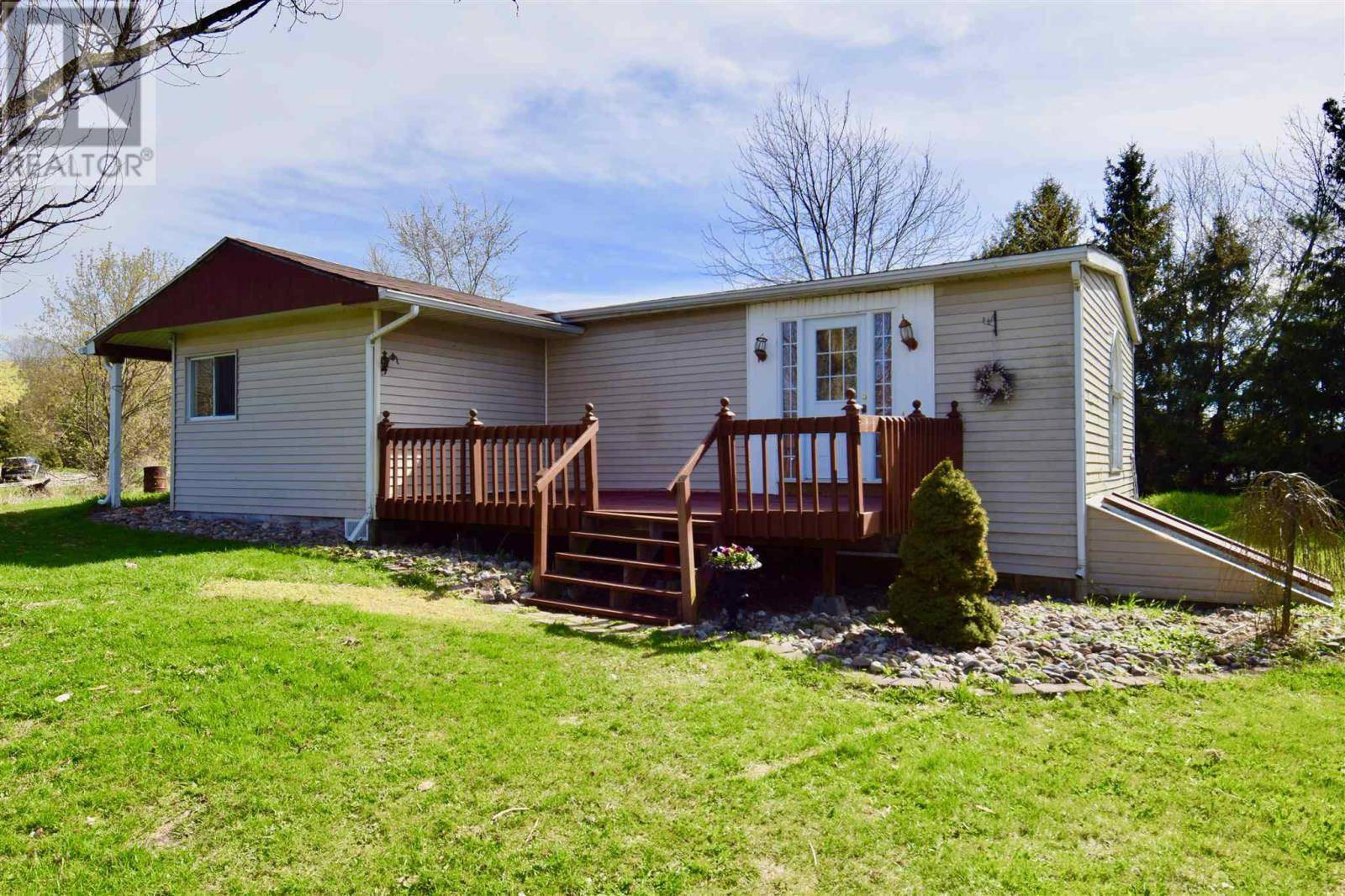 House for sale at 3183 Campbell Rd South Frontenac Ontario - MLS: K19005258