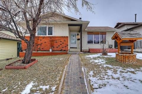 House for sale at 319 Beddington Circ Northeast Calgary Alberta - MLS: C4280982