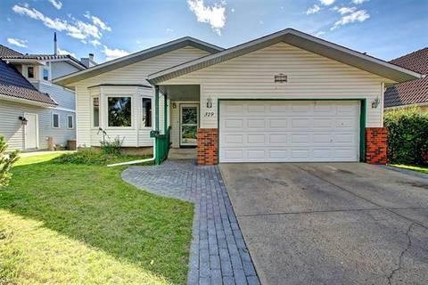 House for sale at 319 Hawkwood Blvd Northwest Calgary Alberta - MLS: C4258042
