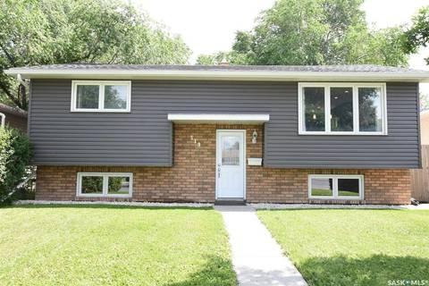 House for sale at 319 Mccarthy Blvd Regina Saskatchewan - MLS: SK779345