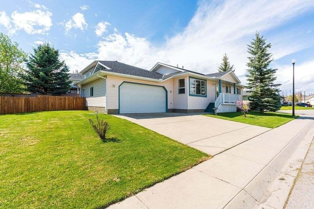House for sale at 319 Sandstone Me Sandstone, Okotoks Alberta - MLS: C4297606