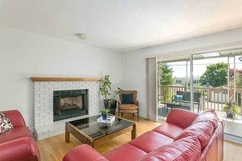 319 26th Street W, North Vancouver | Image 2