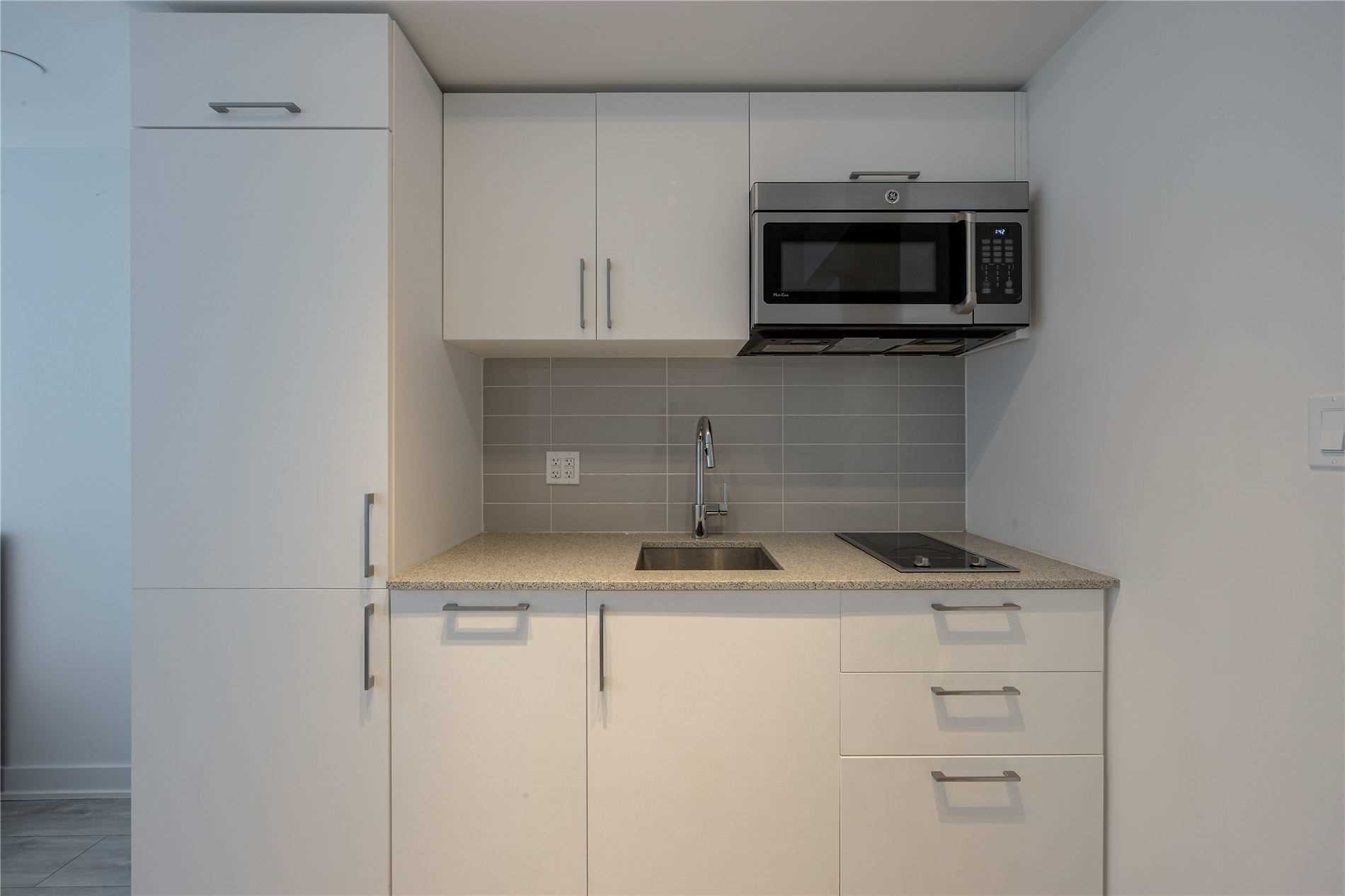 For Rent: 319E - 576 Front Street West, Toronto, ON | 0 Bed, 1 Bath Condo for $1600.00. See 24 photos!