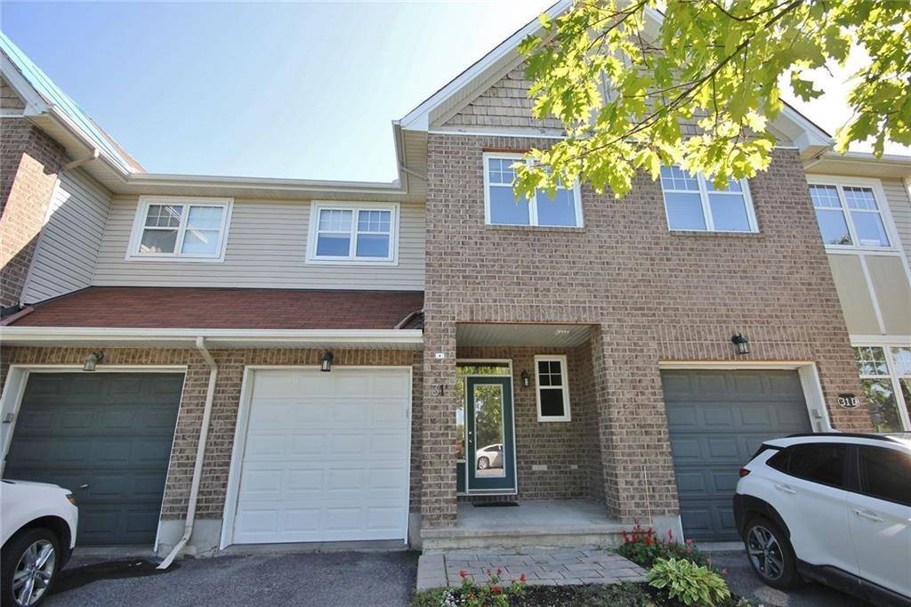 Townhouse for sale at 31 Cresthaven Dr Ottawa Ontario - MLS: 1169696