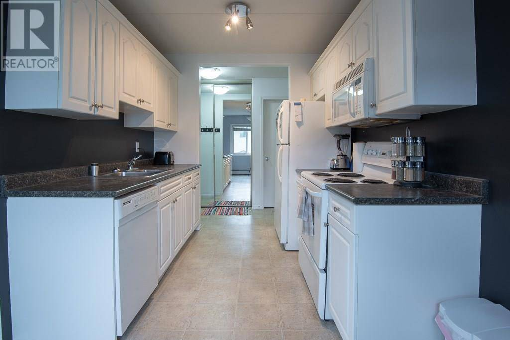 Condo for sale at 20 Assiniboine Dr Unit 32 Saskatoon Saskatchewan - MLS: SK768236