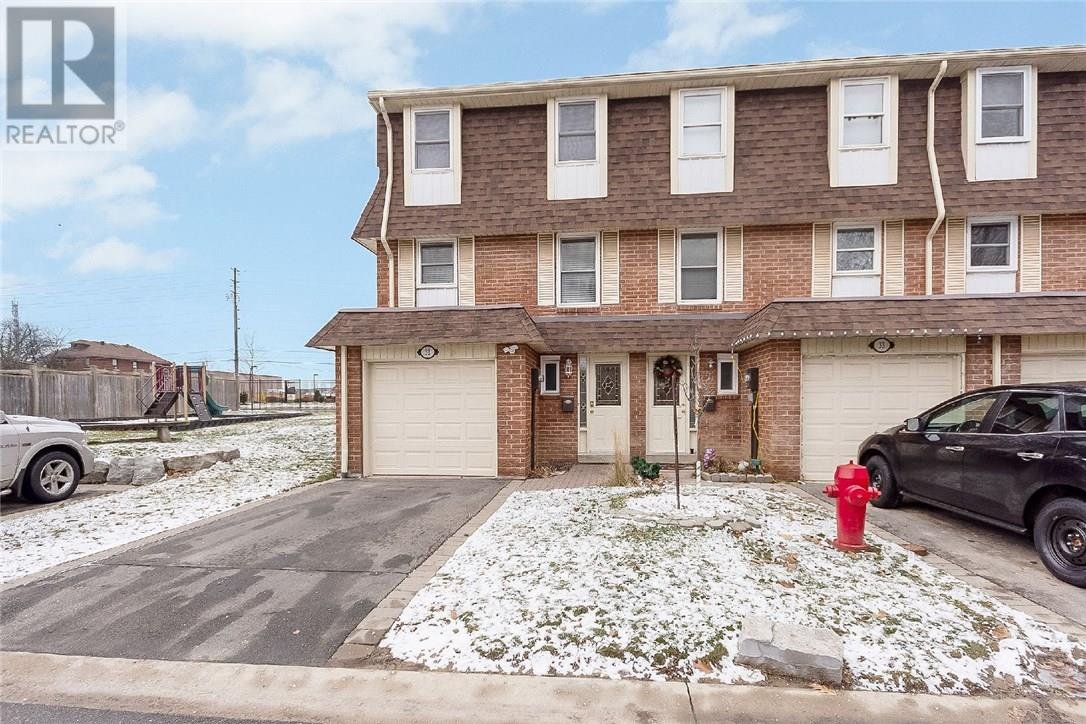 House for sale at 32-30 Heslop Road Milton Ontario - MLS: W4327537