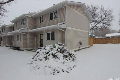 Townhouse for sale at 330 Haight Cres Unit 32 Saskatoon Saskatchewan - MLS: SK804420