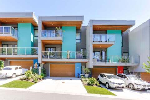 Townhouse for sale at 3595 Salal Dr Unit 32 North Vancouver British Columbia - MLS: R2475537