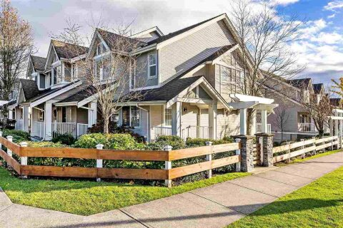 Townhouse for sale at 6555 192a St Unit 32 Surrey British Columbia - MLS: R2520938