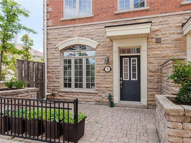 For Sale: 32 - 8 Brighton Place, Vaughan, ON | 3 Bed, 3 Bath Condo for $778,000. See 20 photos!