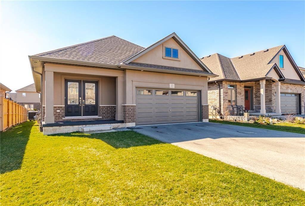 House for sale at 32 Abbott Pl Fonthill Ontario - MLS: 30801298