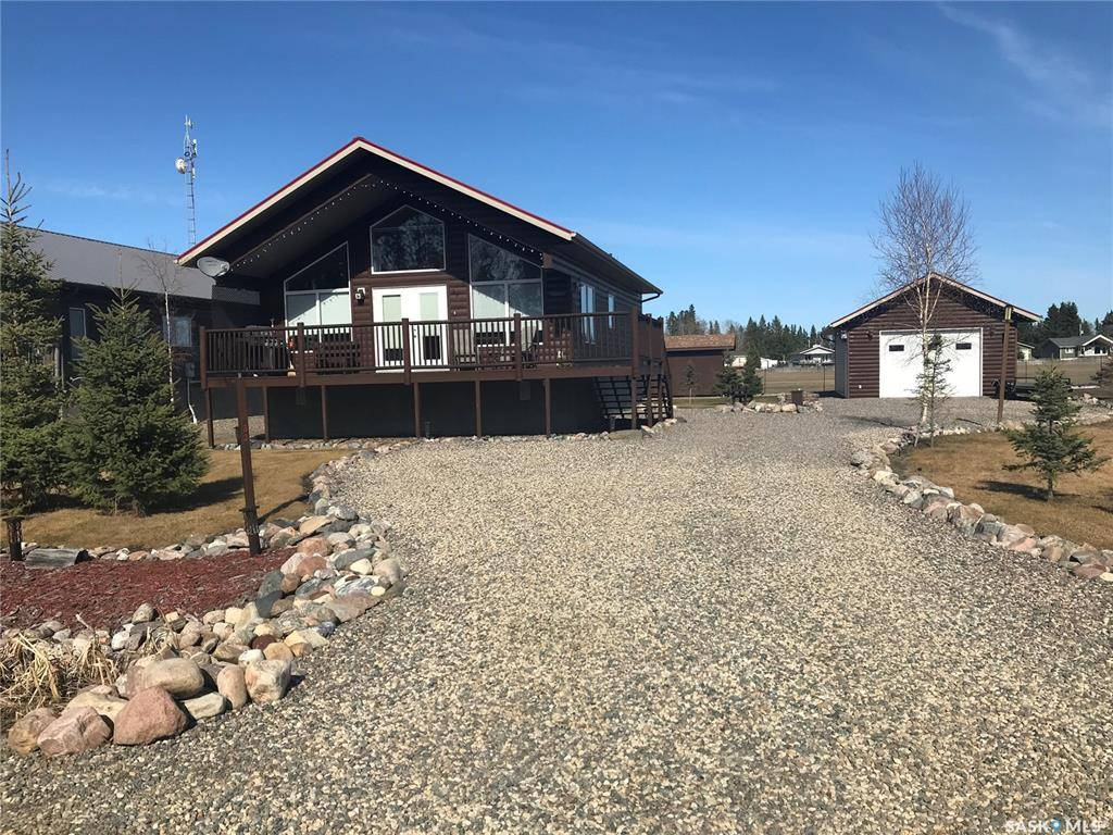 House for sale at 32 Airpark Dr Candle Lake Saskatchewan - MLS: SK796489