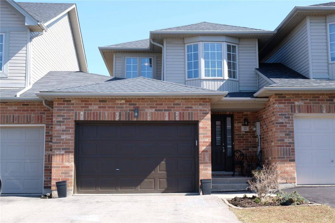 Townhouse for sale at 32 Arrowhead Ln Grimsby Ontario - MLS: H4073475