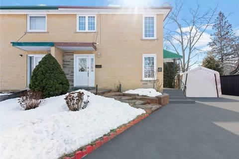 Townhouse for sale at 32 Athenia Ct Toronto Ontario - MLS: E4702713