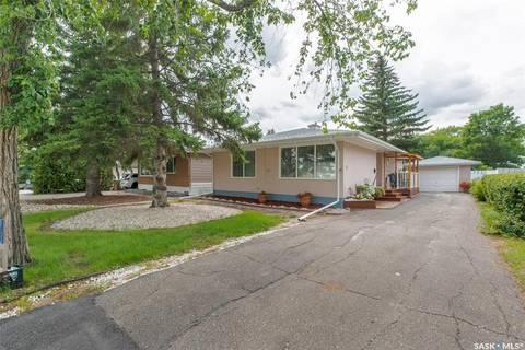House for sale at 32 Cameron Cres Regina Saskatchewan - MLS: SK783670
