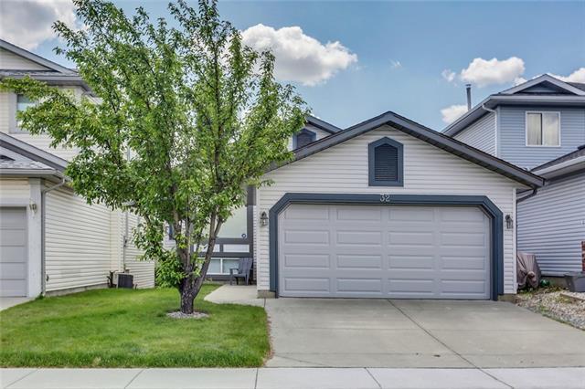 Sold: 32 Citadel Gardens Northwest, Calgary, AB
