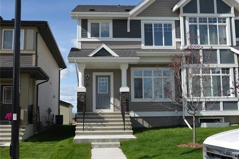 Townhouse for sale at 32 Clydesdale Cres Cochrane Alberta - MLS: C4270899