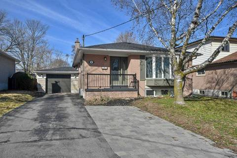 House for sale at 32 Collins Cres Aurora Ontario - MLS: N4421098