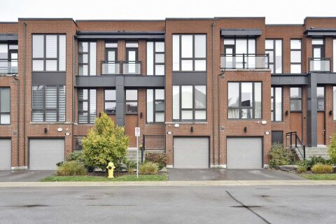 Townhouse for sale at 32 Crestridge Dr Vaughan Ontario - MLS: N4965661
