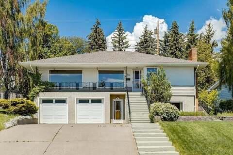 House for sale at 32 Cumberland Dr Northwest Calgary Alberta - MLS: C4303014