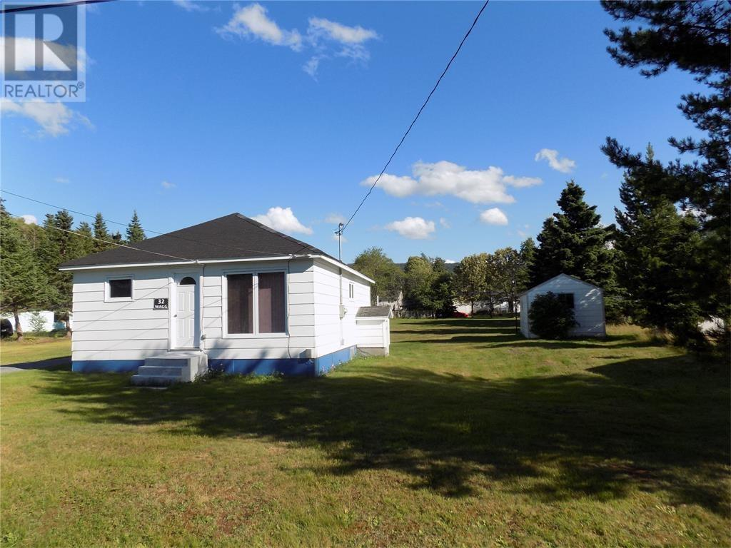 For Sale: 32 Earle Drive, Pasadena, NL | 3 Bed, 1 Bath House for $139,900. See 15 photos!