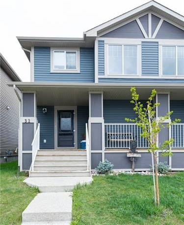 Townhouse for sale at 32 Fireside Bend  Cochrane Alberta - MLS: C4245518