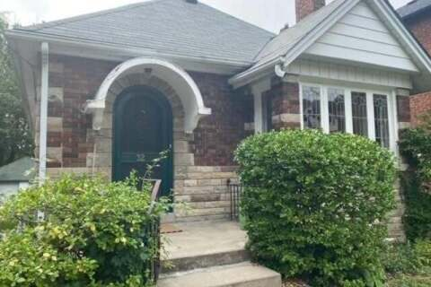 House for sale at 32 Gilgorm Rd Toronto Ontario - MLS: C4903134