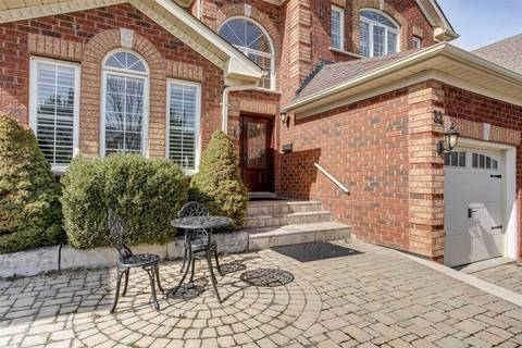 32 Green Meadow Crescent, Richmond Hill | Image 2