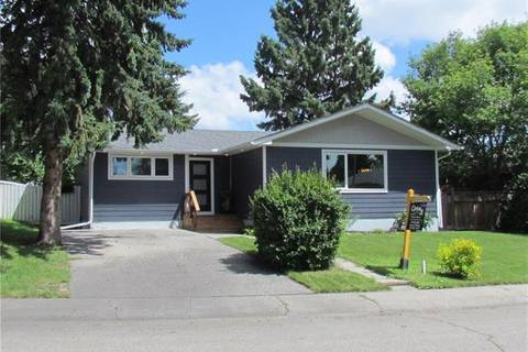 House for sale at 32 Hamlet Rd Southwest Calgary Alberta - MLS: C4234156