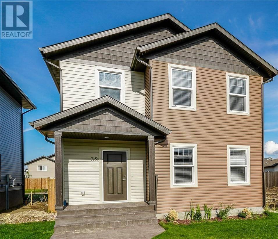 House for sale at 32 Hampton Cres Sylvan Lake Alberta - MLS: ca0175692