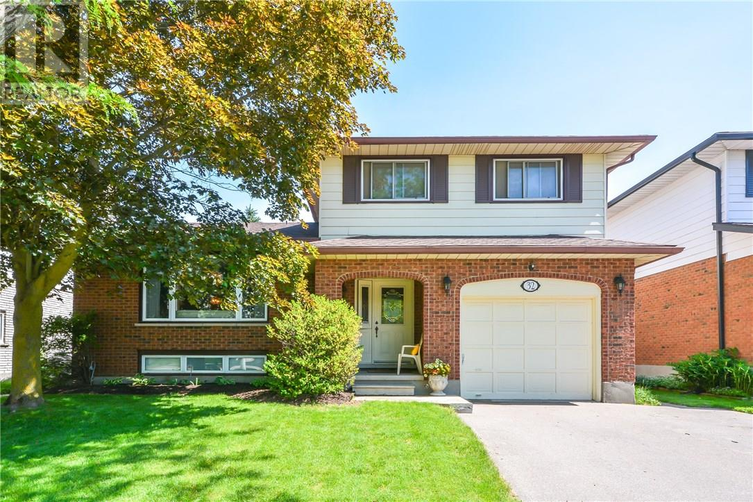 For Sale: 32 Keats Crescent, Guelph, ON | 3 Bed, 4 Bath House for $599,000. See 44 photos!