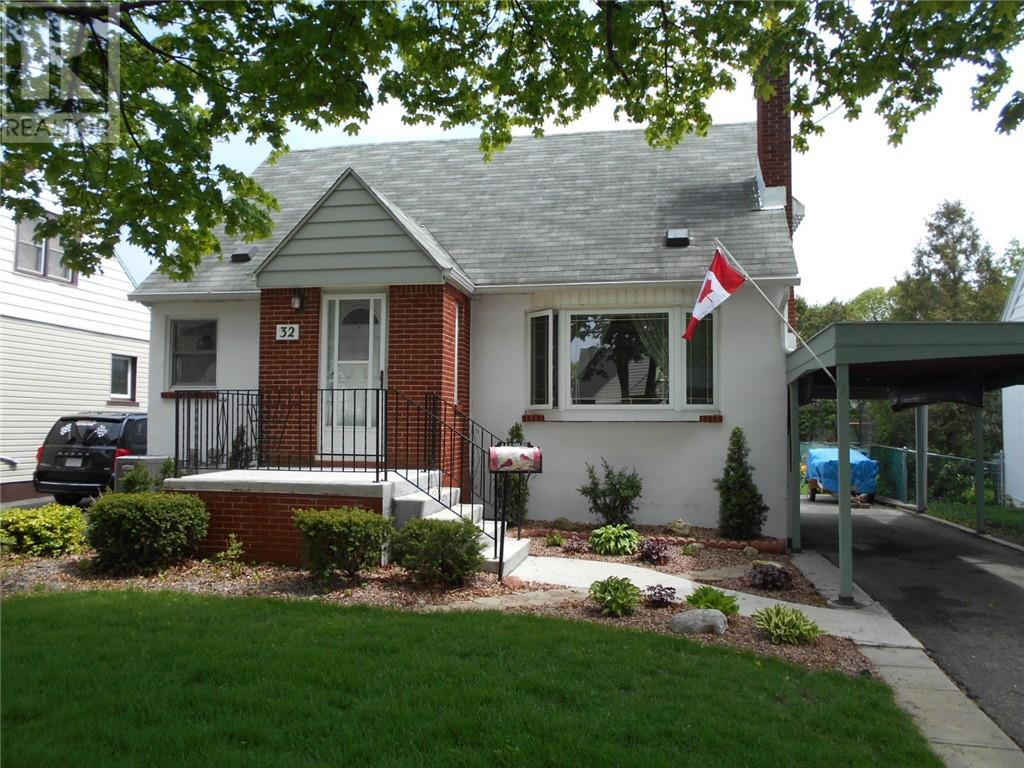 For Sale: 32 Kerr Avenue, Chatham, ON | 3 Bed, 2 Bath House for $139,500. See 21 photos!