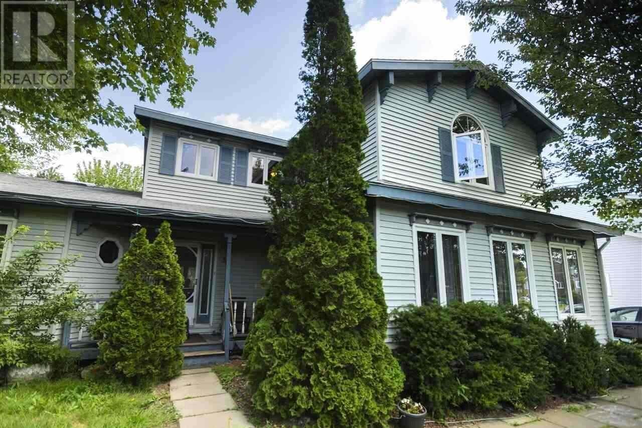 House for sale at 32 Lancaster Dr Herring Cove Nova Scotia - MLS: 202018370